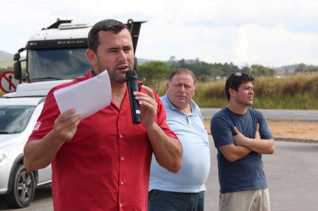O secretário geral, Herivelto Moraes – Vela, o presidente Renato Marcondes – Mamão, e o cipeiro Rafael