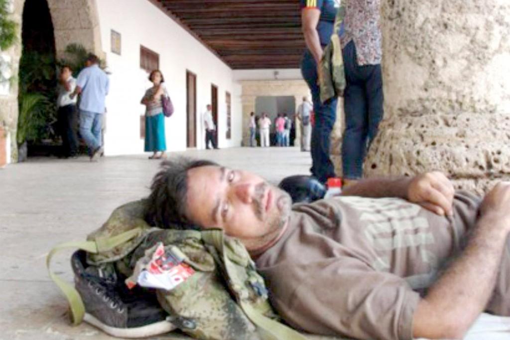 Doente, sem salário, Rubén Montoya chegou a tentar suicídio quando soube que a direção da empresa, mais uma vez, negou seu direito a indenização (Crédito: Divulgação)