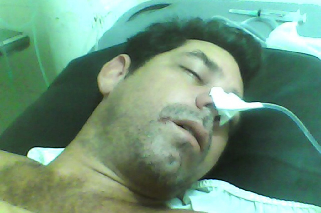 Rubén na ambulância logo após tentar suicídio (Crédito: Divulgação)