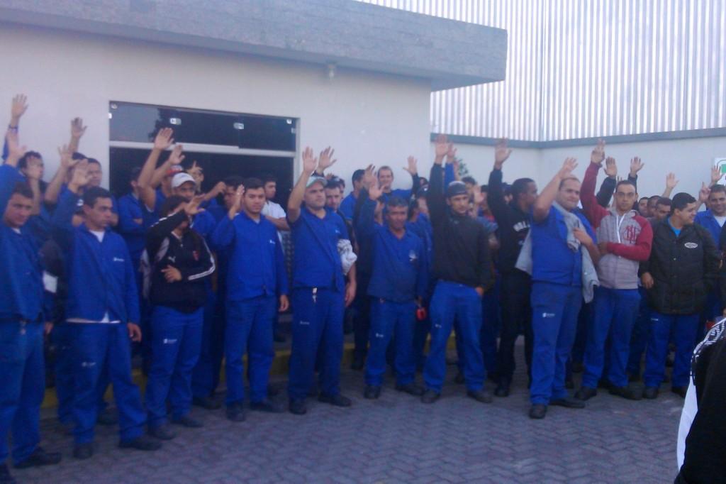 Trabalhadores aprovam PLR em assembleia (Crédito Francisco Sampaio)