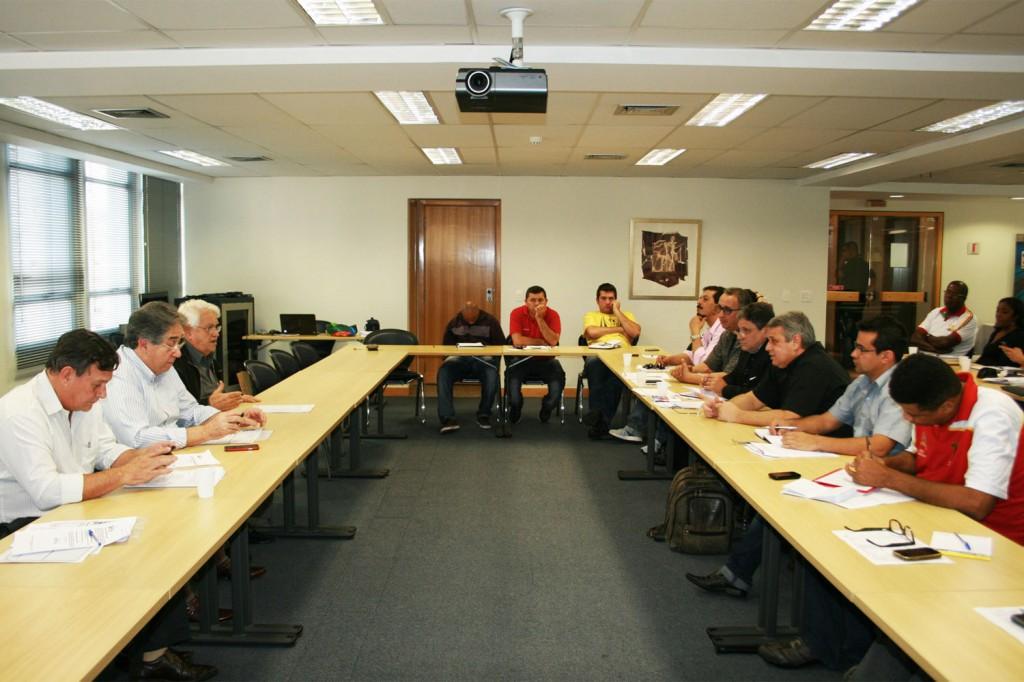 Presidente da FEM na rodada de negociação com o G3 (Crédito foto: Mídia Consulte)