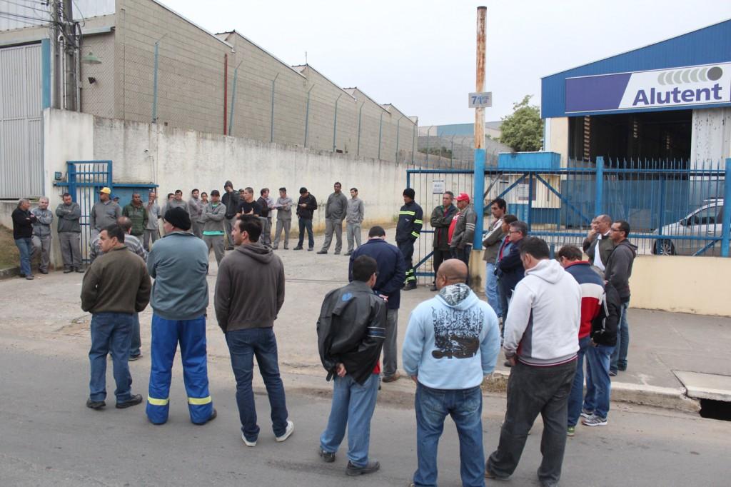 Grande presença da direção do sindicato mostra força da entidade durante mobilização