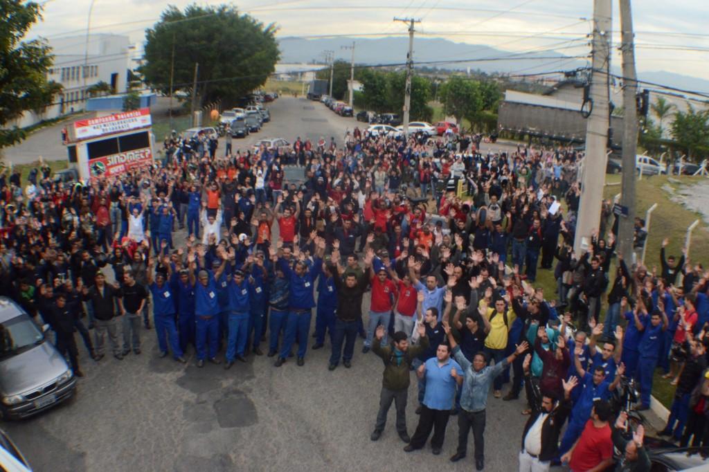 Dirigentes de Pinda também participaram da mobilização, que ocorreu no Distrito Industrial do Piracangaguá (Crédito: Zé Alfredo)