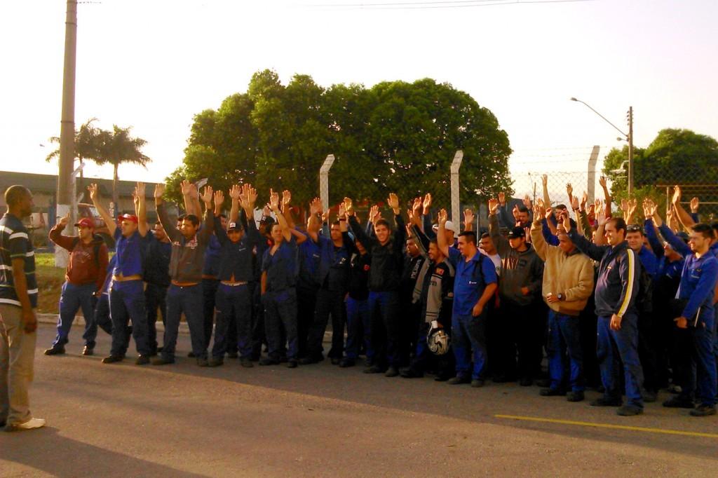 Categoria reprova segunda proposta da empresa; se não houver melhora, é greve