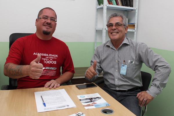Perneta e José Landy, na reunião que formalizou o convênio e definiu campanha para informar todos os casos que dão direito ao benefício