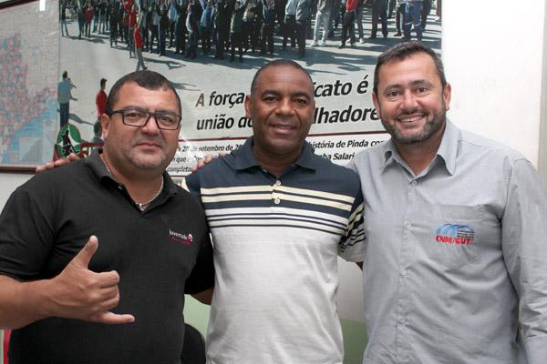 Otávio, Valdir e Herivelto - Vela, secretário geral do Sindicato dos Metalúrgicos de Pinda, em reunião que formalizou o convite para que Valdir faça parte da coordenação da CUT