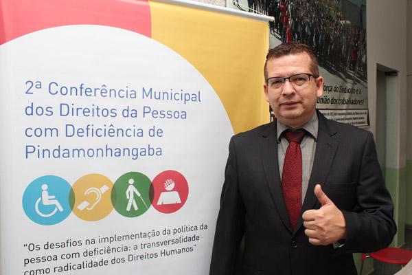 O Sindicato dos Metalúrgicos está convidando a população para a conferência; o advogado trabalhista Marcos Gonçalves também vai participar