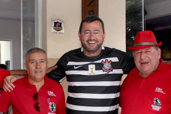 Serginho, Herivelto Vela - secretário geral, e Renato Mamão - presidente