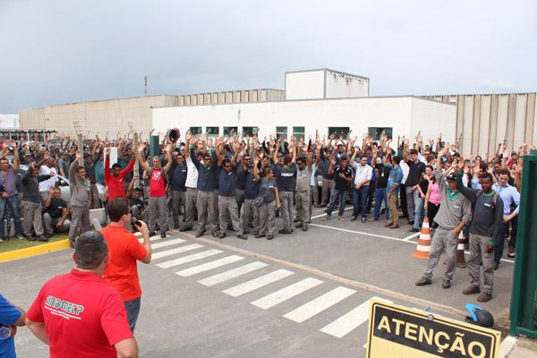 Categoria aprova por unanimidade proposta negociada pelo sindicato para evitar demissão de 120 funcionários