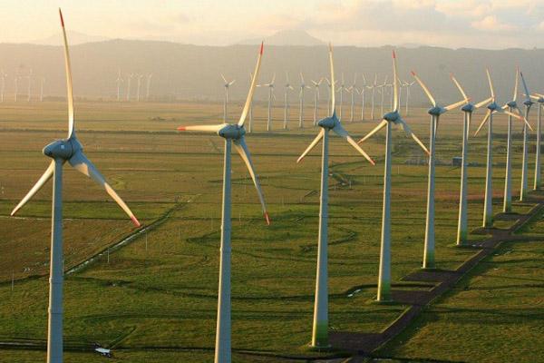 Segundo boletim desde mês do Ministério de Minas e Energia, o Brasil subiu cinco posições na expansão de energia eólica e já está entre os 4 maiores do mundo (foto Portal Brasil)