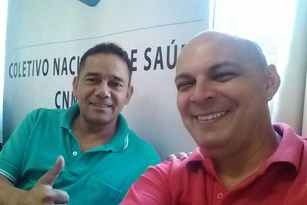 """Edivaldo José de Moura, o """"Pula-Pula"""", secretário de Políticas Sociais da FEM-CUT/SP, e Marcelo - Pepeo durante encontro (foto Divulgação)"""