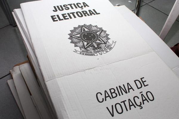 2016_03_08 Comissão Eleitoral e organizção das urnas_0928_1