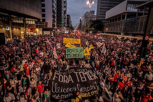 Ato histórico tomou a Avenida Paulista neste domingo (foto Mídia Ninja)