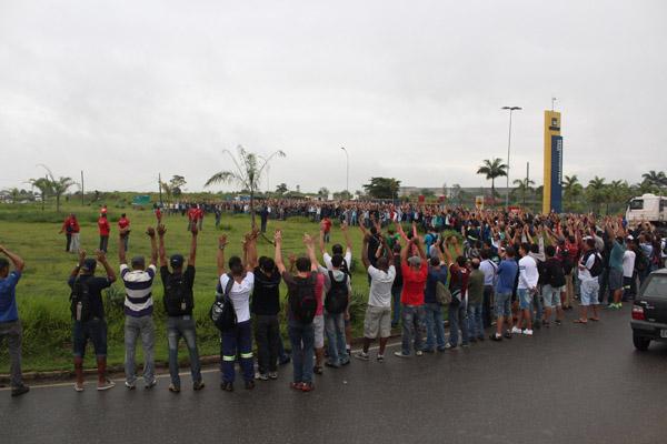 Trabalhadores da Gerdau aprovam em assembleia a proposta que evitou demissões em massa ao longo do ano (foto Guilherme Moura)