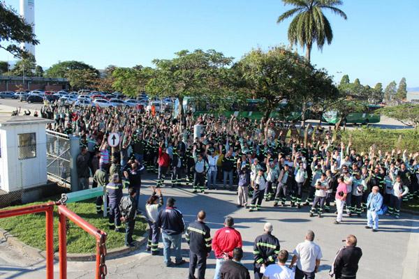 Assembleia na Tenaris Confab aprova aplicação do Programa de Proteção ao Emprego, muito reivindicada pelo sindicato (foto Gilson Leandro)