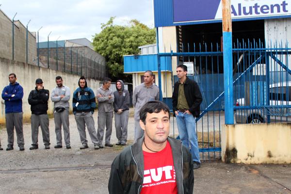 O sindicalista Betinho em uma das mobilizações na Alutent