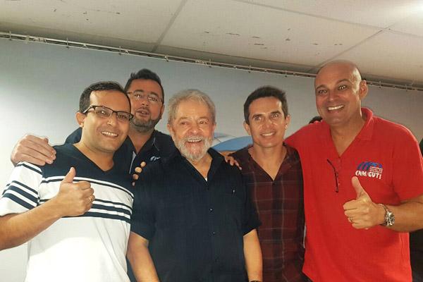 Sindicalistas de Pinda conversaram com Lula no encontro da CNM/CUT (foto Divulgação)