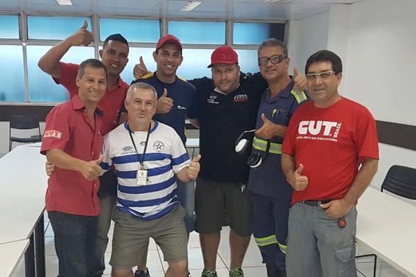 Dirigentes logo após apuração da eleição na Construção Mecânica, junto com Rodrigão, Claudio - Rolinha e Adilson da Arames