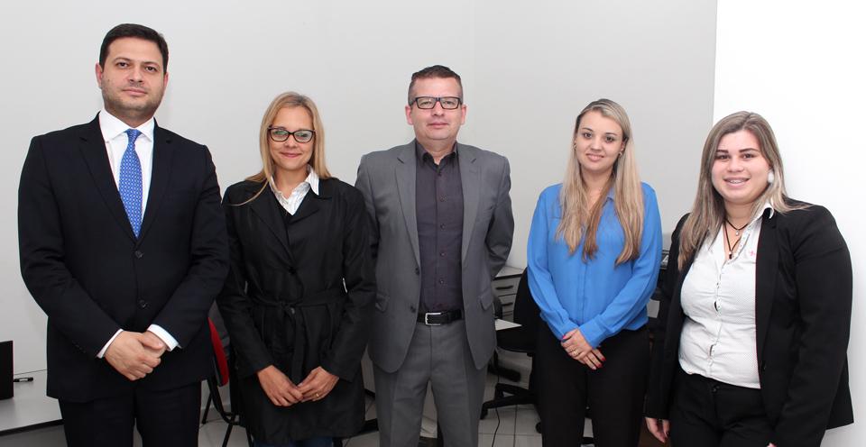 O advogado responsável pelo departamento jurídico, Alison Montoani, a nova advogada Cinthya Nascimento, Marcos Gonçalves, Andreza Queiroz e Gilvania Claudino