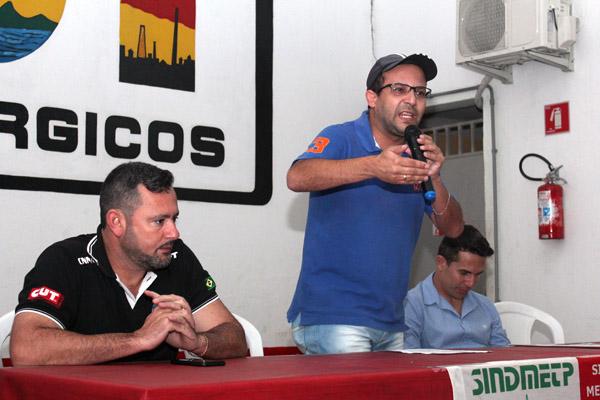 O presidente Herivelto Vela, Luciano - Tremembé e Sérgio da Silva, secretário de Finanças