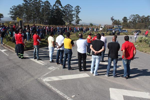 Paralisação também protestou incidente ocorrido na aciaria de Pinda duas semanas atrás