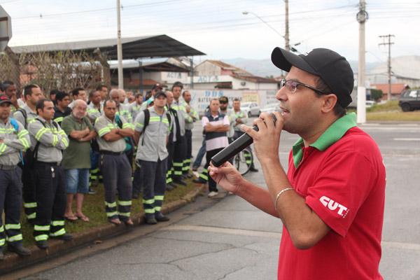 O secretário geral e sindicalista pela Confab, Luciano da Silva - Tremembé