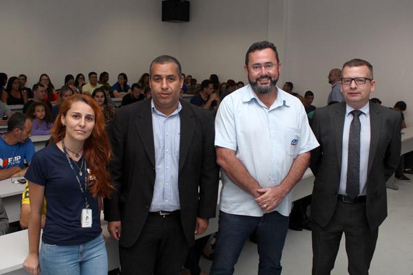 Professora Ana Luisa Leite, coordenador acadêmico da ETEP Taubaté, presidente Herivelto Vela e o advogado trabalhista Marcos Gonçalves