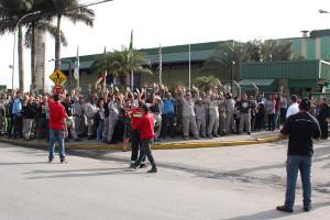 Trabalhadores da Latasa ameaçam greve pela campanha salarial