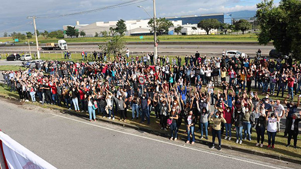 Trabalhadores aprovam suspensão da greve para retomada das negociações na LG