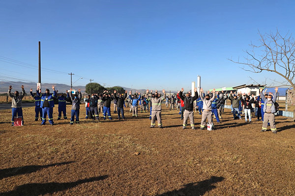 Excesso de acidentes gera protesto na fábrica Latasa